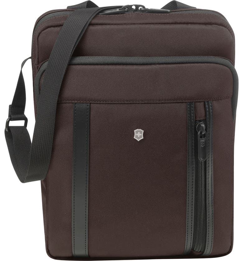 VICTORINOX SWISS ARMY<SUP>®</SUP> Victorinox Swiss Army Werks Pro 2.0 Crossbody Laptop Bag, Main, color, BROWN