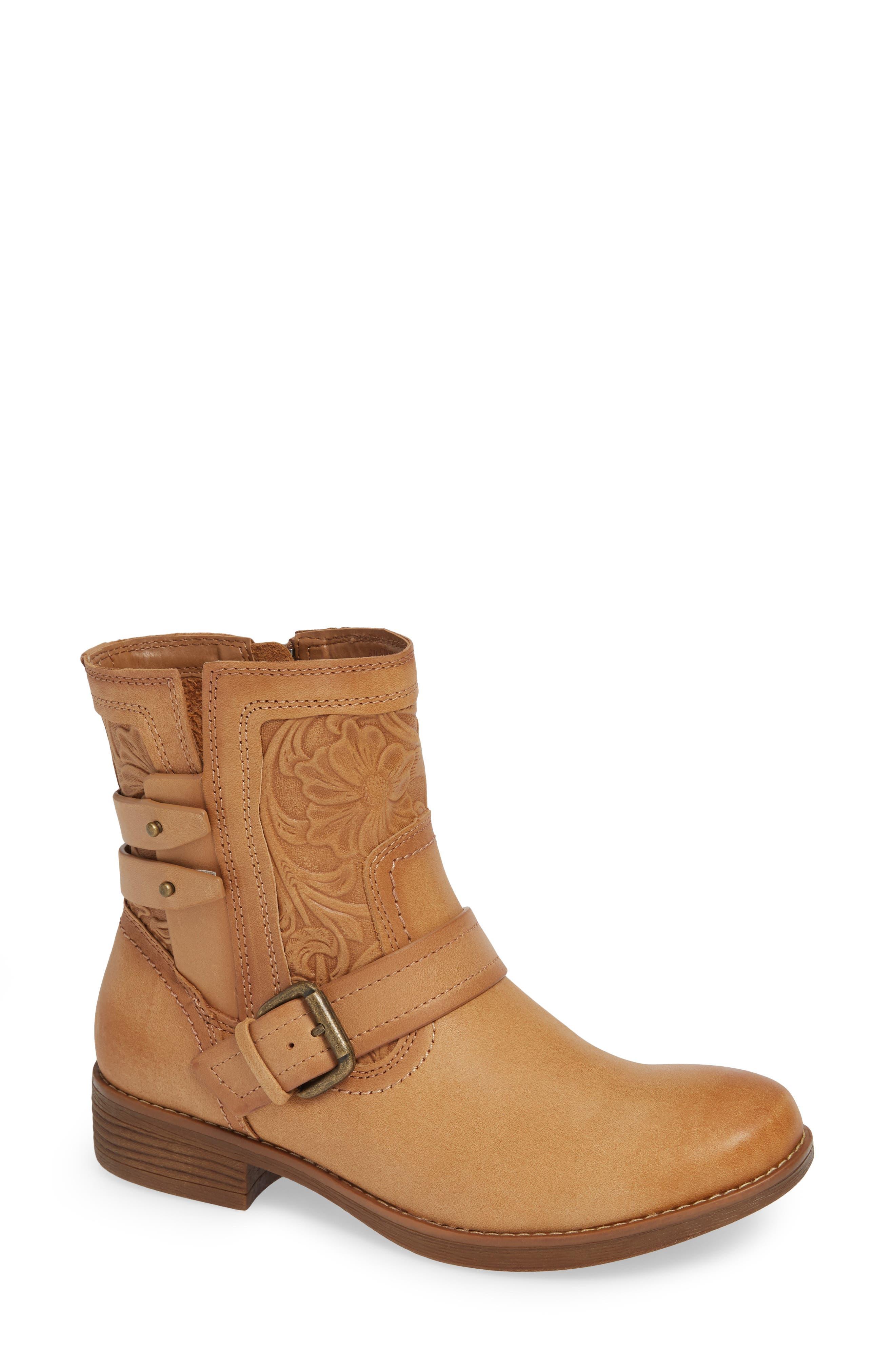 Comfortiva Torrance Boot, Brown