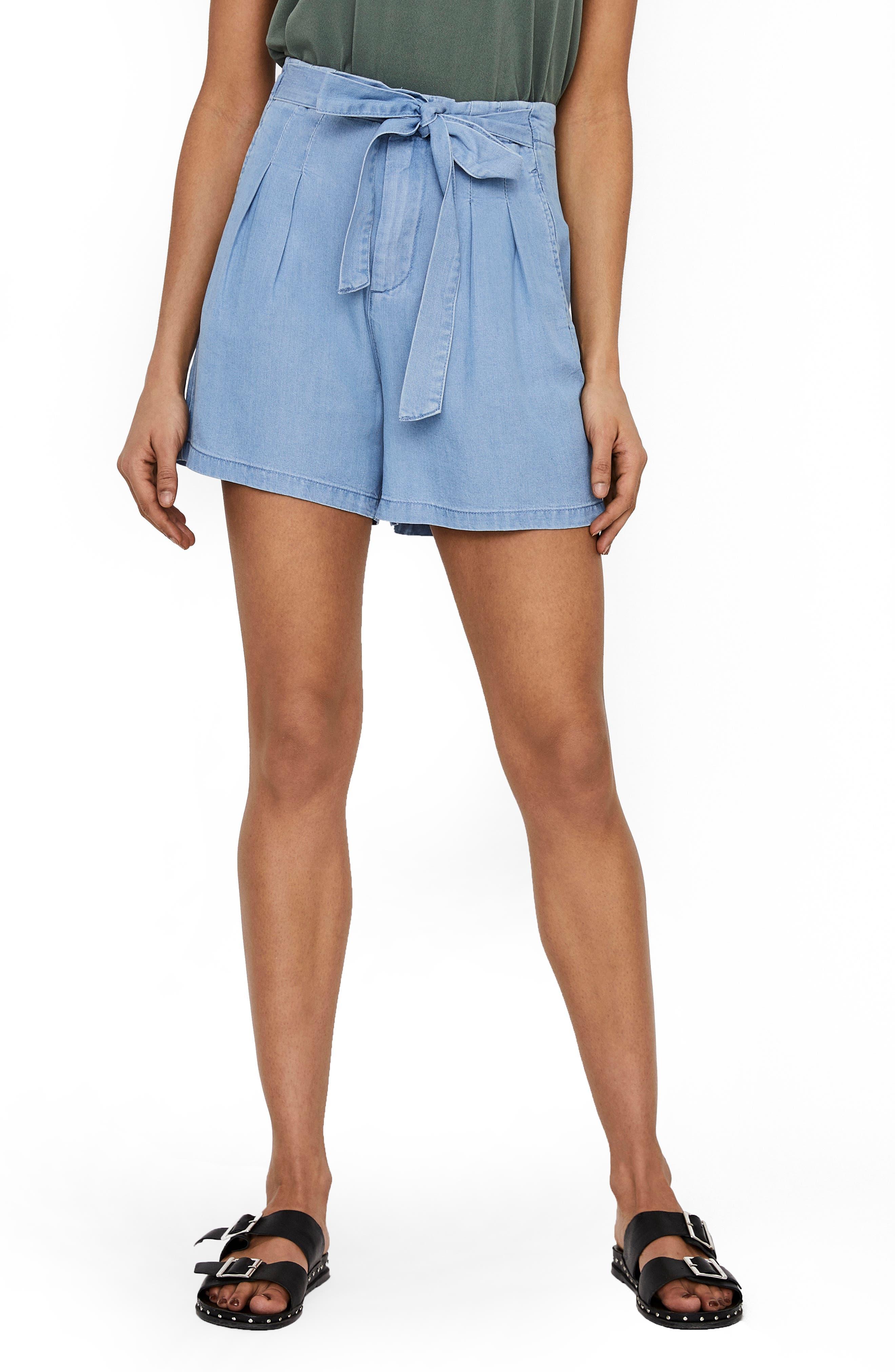 Women's Vero Moda Mia Loose Shorts,  Small - Blue