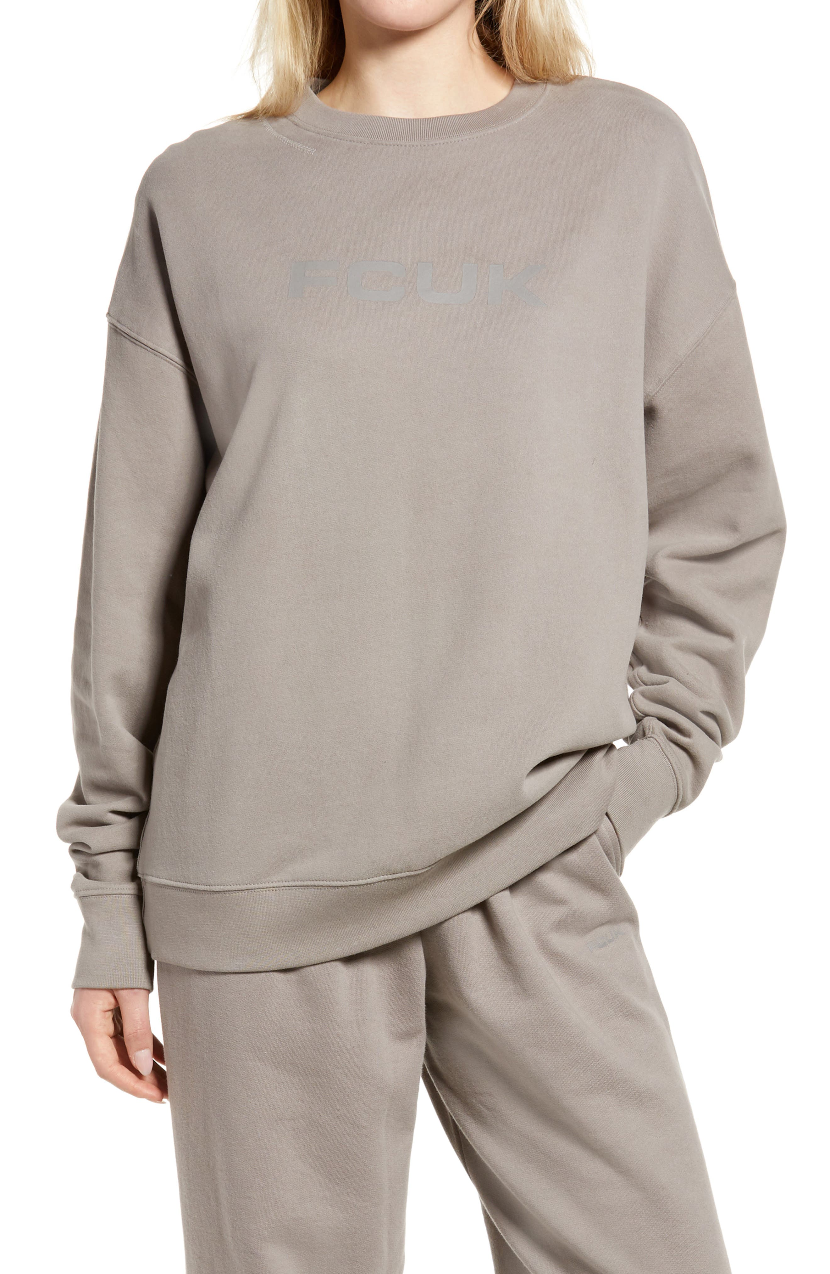 Women's Oversize Graphic Sweatshirt