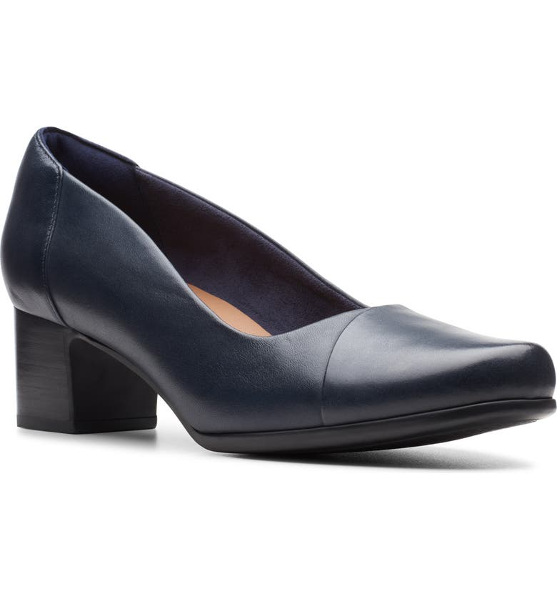 CLARKS<SUP>®</SUP> Un Damson Step Pump, Main, color, NAVY LEATHER