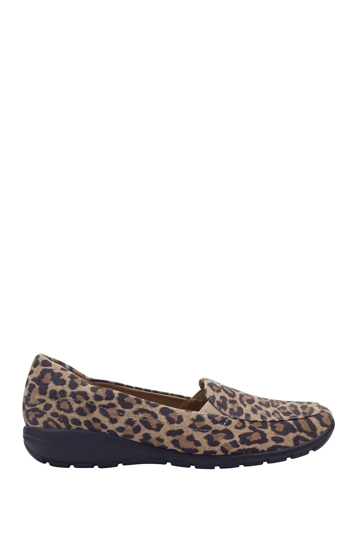 easy spirit leopard print shoes