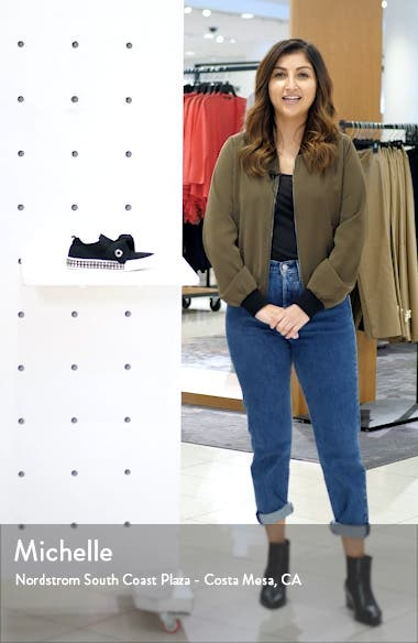 Amaryllis Sneaker, sales video thumbnail