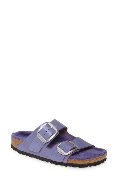 Birkenstock Perfect Pairs Arizona Big Buckle Sandal With Genuine Shearling Lining In Washed Metallic Violet Leather