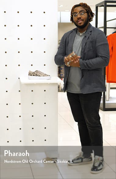 Sleek Super Sneaker, sales video thumbnail