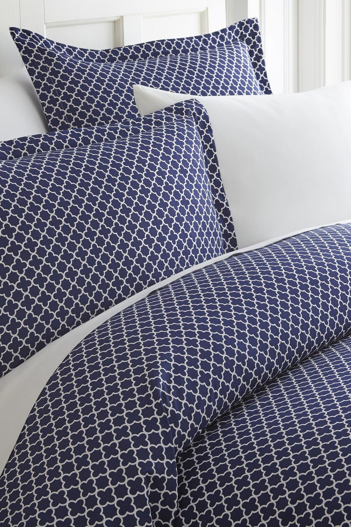Ienjoy Home Home Spun Premium Ultra Soft Quadrafoil Pattern 3-piece Duvet Cover King Set In Navy