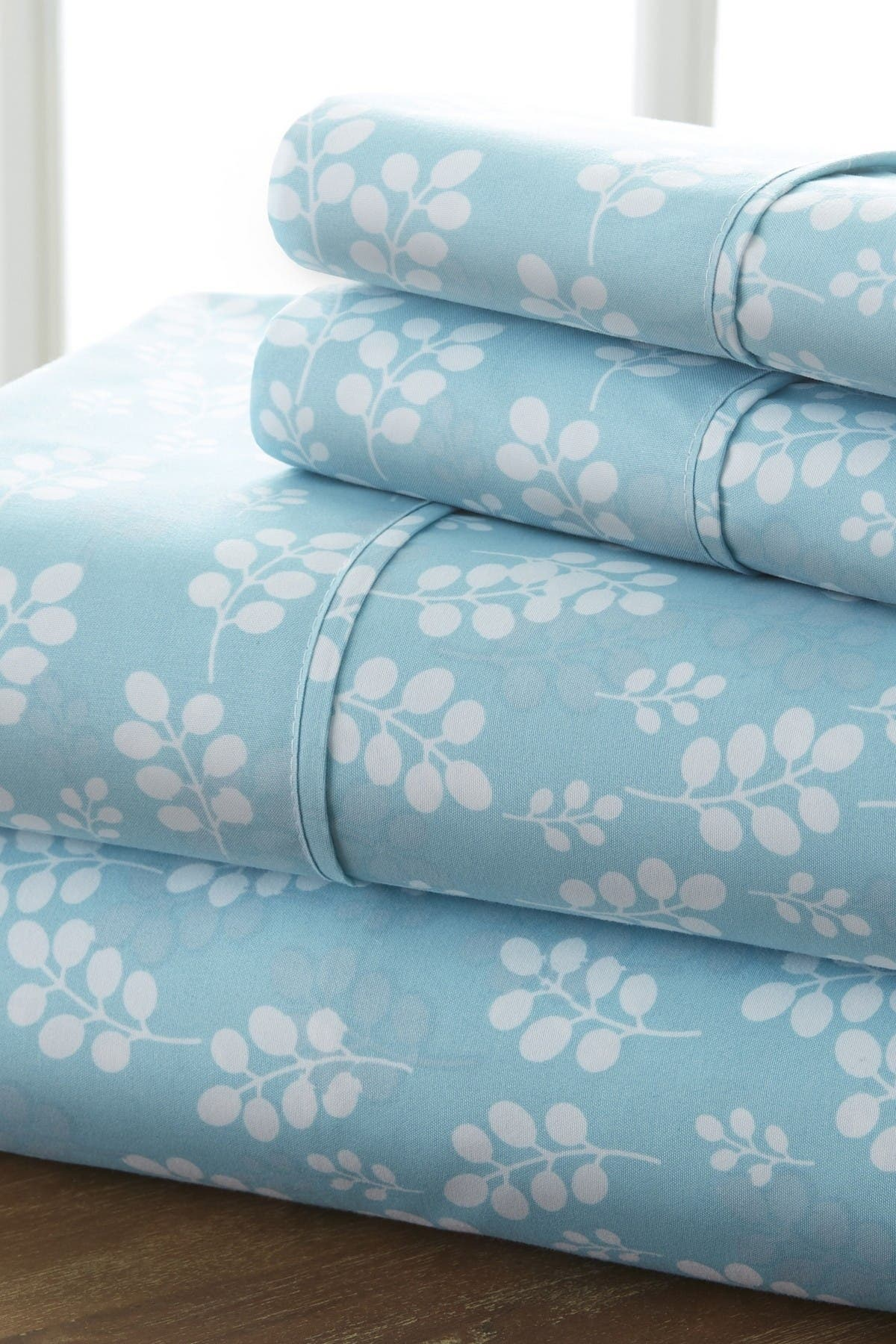 Image of IENJOY HOME The Home Spun Premium Ultra Soft Wheat Pattern 4-Piece Queen Bed Sheet Set - Pale Blue