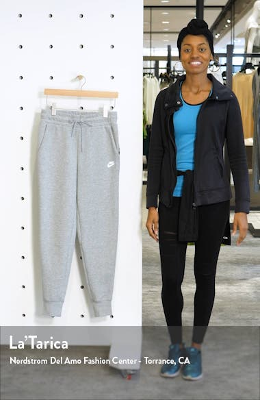Sportswear Tech Fleece Sweatpants, sales video thumbnail