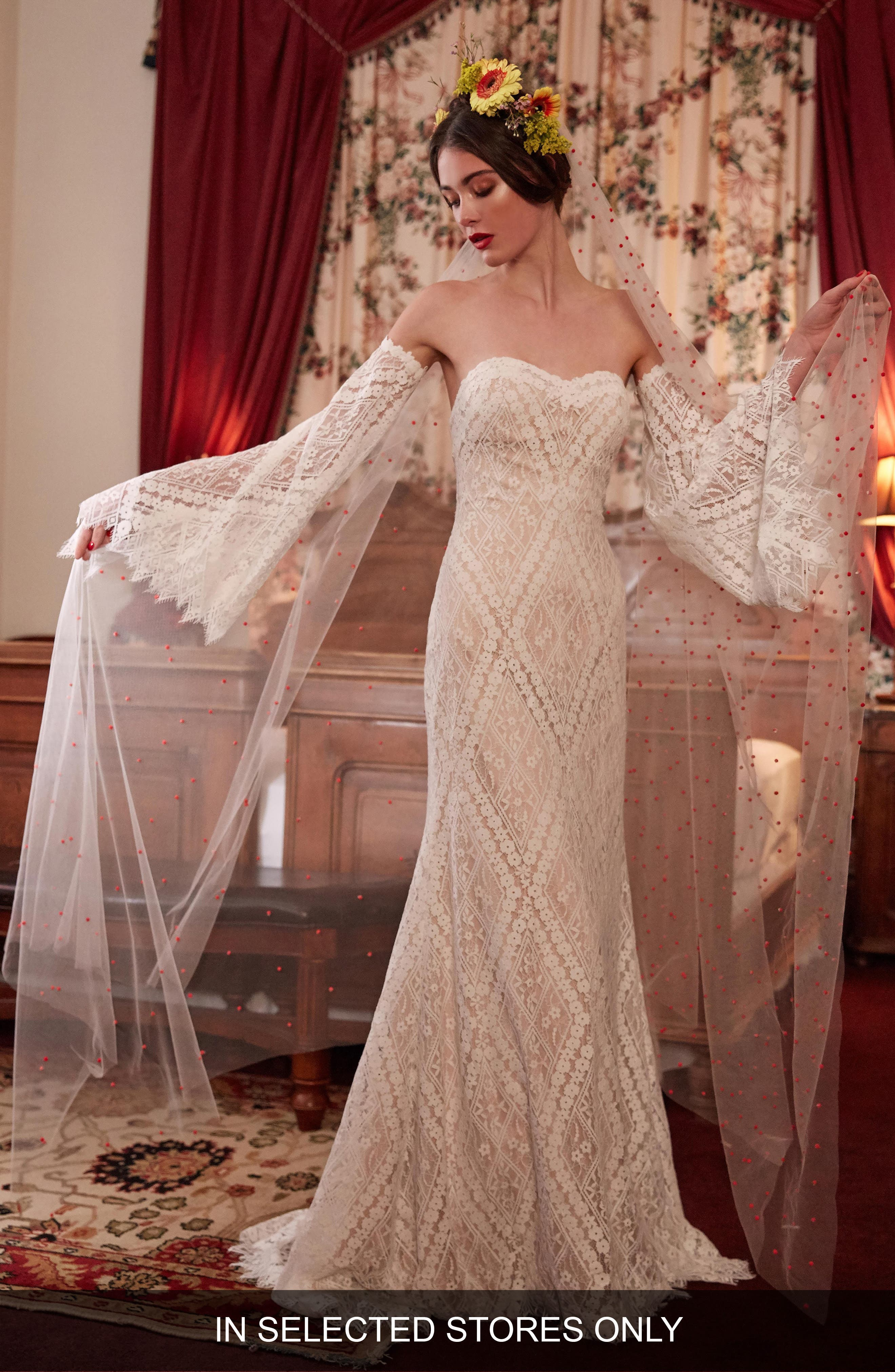 Willowby Burnet Strapless Lace Gown, Size - Ivory