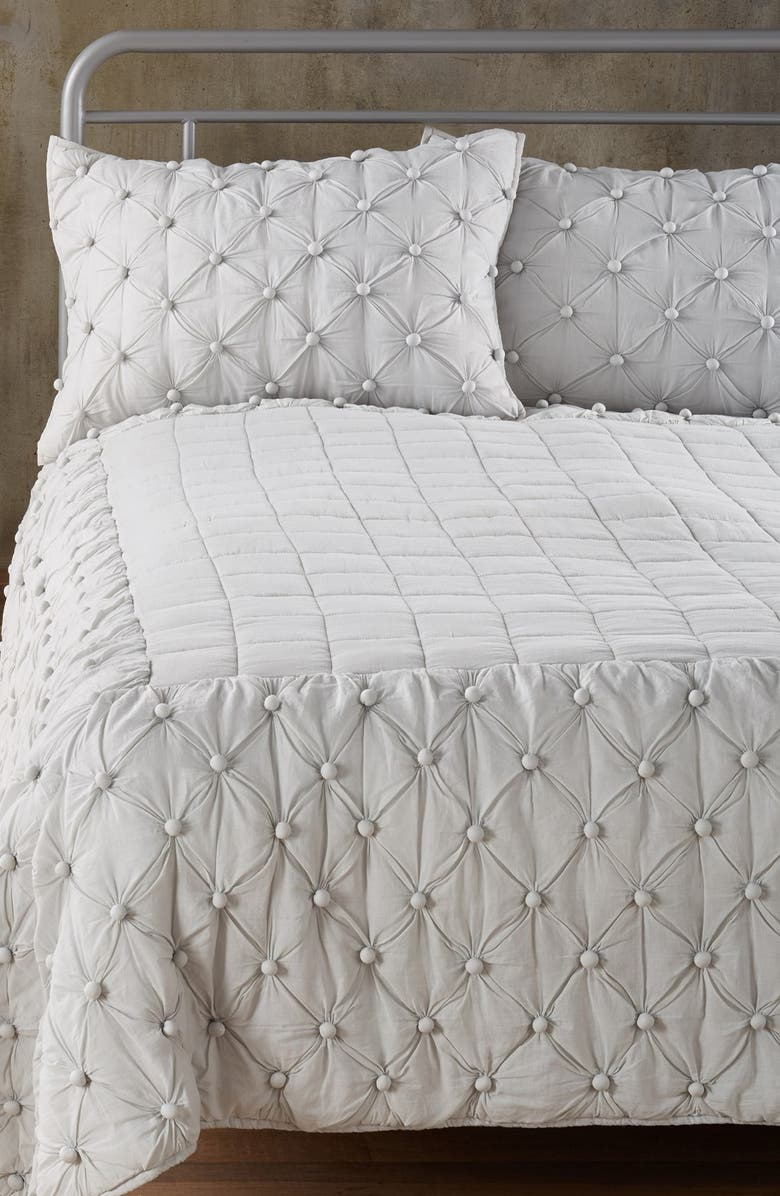 NORDSTROM AT HOME Chelsea Comforter, Main, color, 021