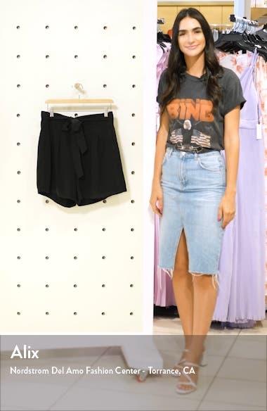 Mia Loose Shorts, sales video thumbnail