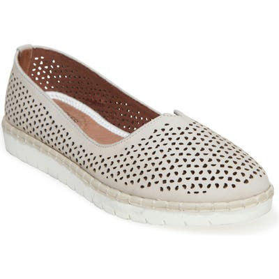 Adam Tucker Neela Flat, White