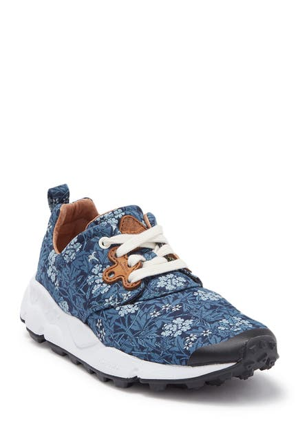 Image of Flower Mountain Pampas Leaf Print Sneaker