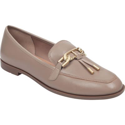 Evolve Victory Loafer- Beige