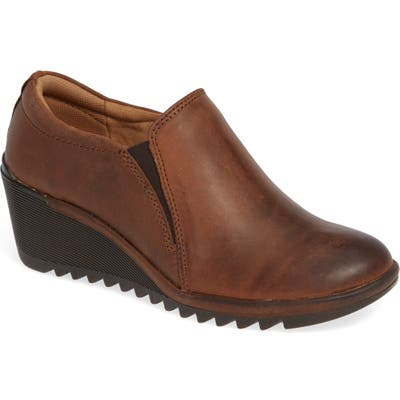 Comfortiva Aniston Wedge Slip-On, Brown