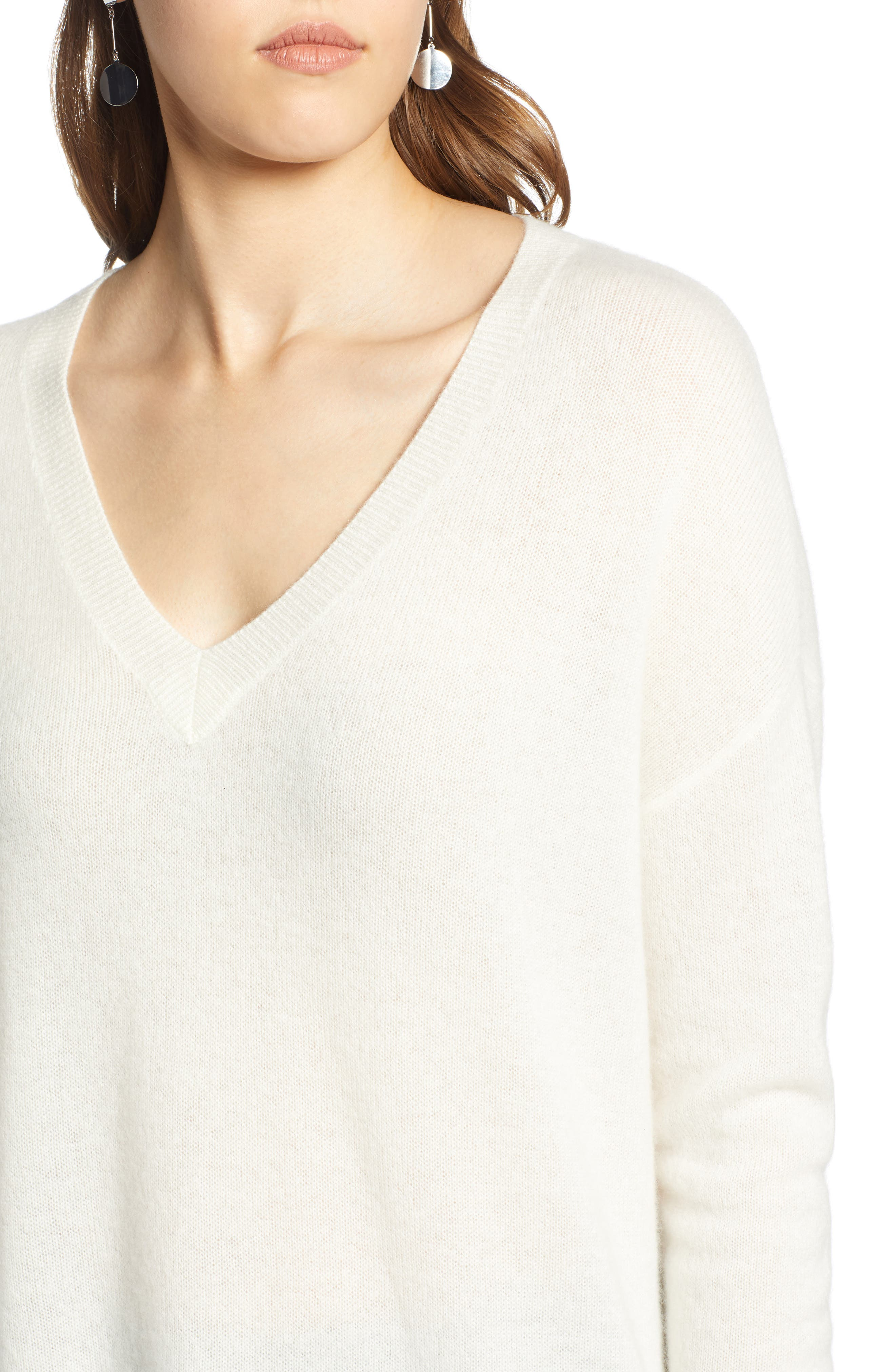 ,                             Relaxed V-Neck Cashmere Sweater,                             Alternate thumbnail 82, color,                             900