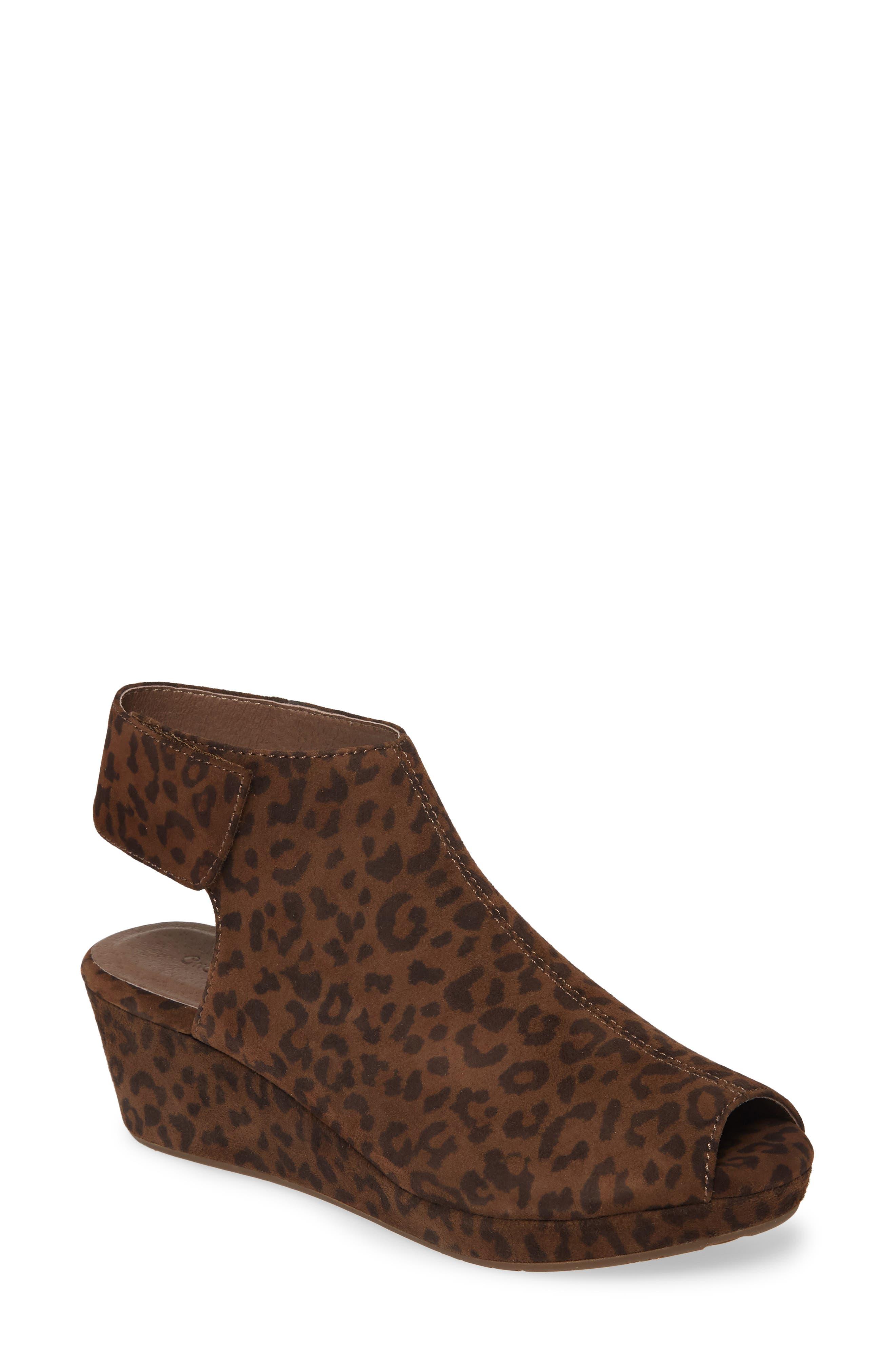 Women's Chocolate Blu Yessi Platform Wedge Sandal