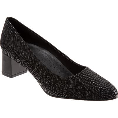 Trotters Kari Pointy Toe Pump- Black