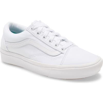 Vans Comfycush Old Skool Low Top Sneaker