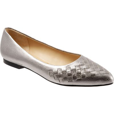 Trotters Estee Pointed Toe Flat- Metallic