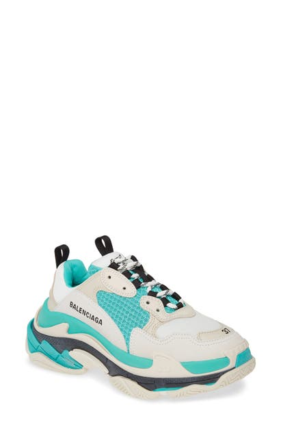 Balenciaga Sneakers TRIPLE S LOW TOP SNEAKER
