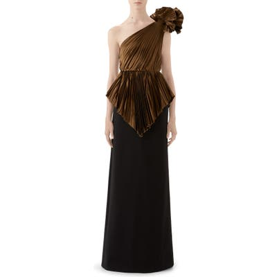 Gucci Plisse One-Shoulder Gown, Brown