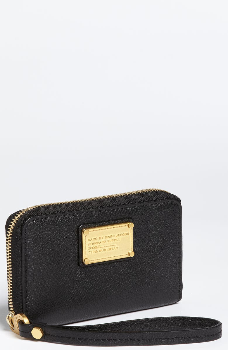 MARC JACOBS MARC BY MARC JACOBS 'Classic Q - Wingman' Phone Wallet, Main, color, 001