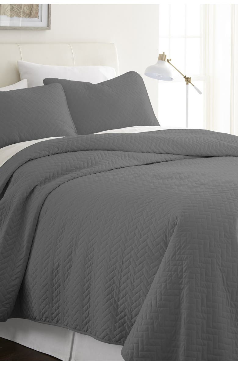 IENJOY HOME Home Spun Premium Ultra Soft Herring Pattern Quilted King Coverlet Set - Gray, Main, color, GRAY