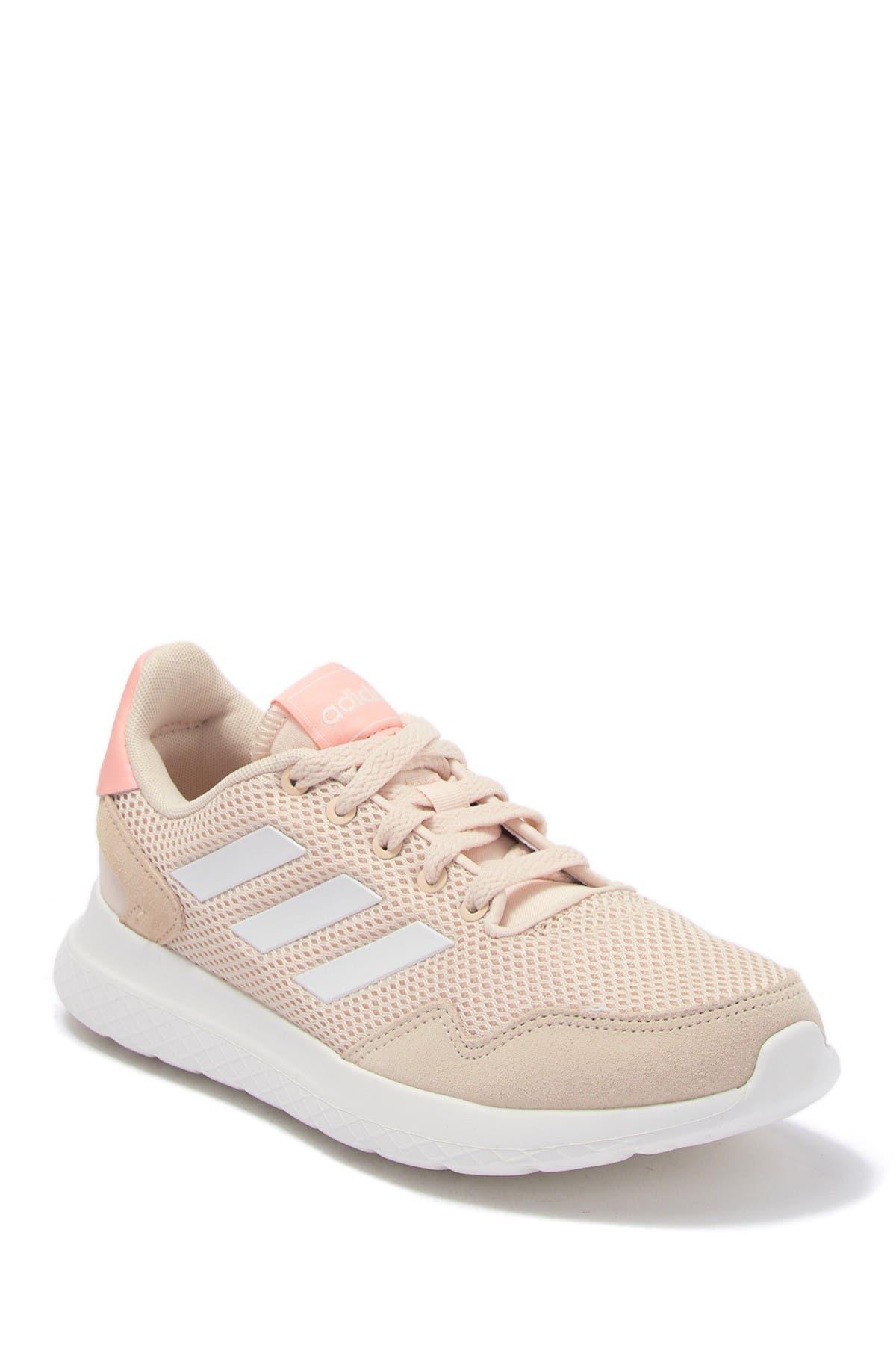 Estúpido Arne Perca  adidas | Archivo Suede Running Sneaker | HauteLook