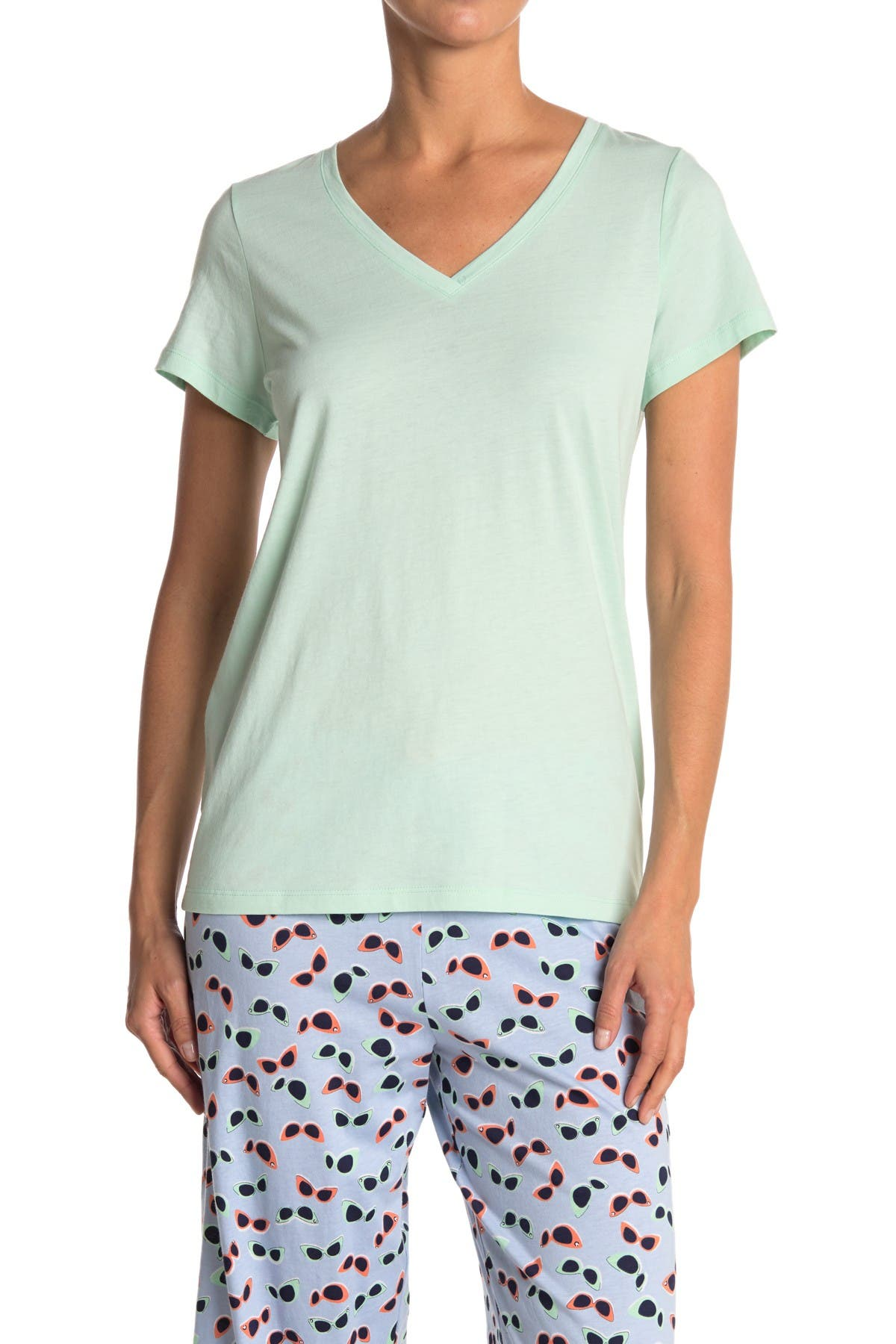 Image of HUE Solid Short Sleeve V-Neck T-Shirt