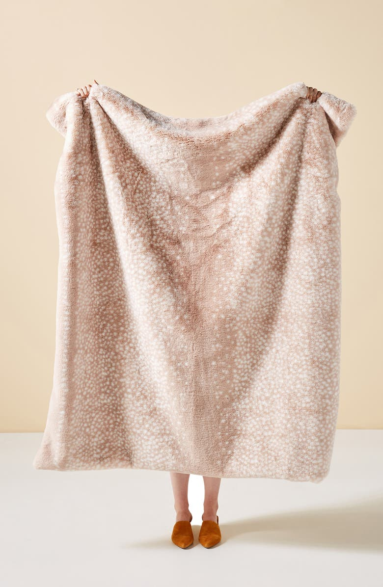 ANTHROPOLOGIE Fawn Faux Fur Throw Blanket, Main, color, FAWN
