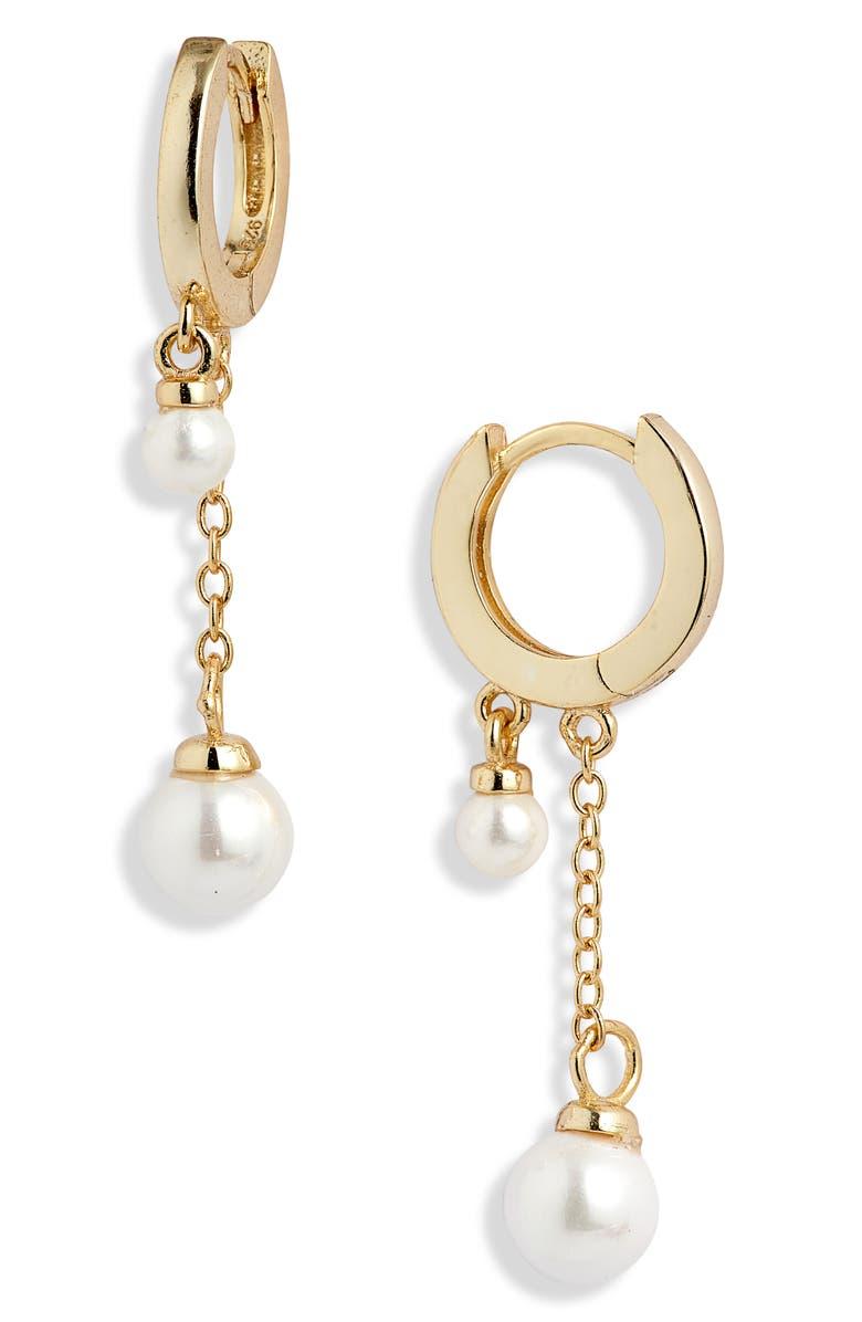 ADINA'S JEWELS Adina's Jewels Double Imitation Pearl Huggie Earrings, Main, color, GOLD