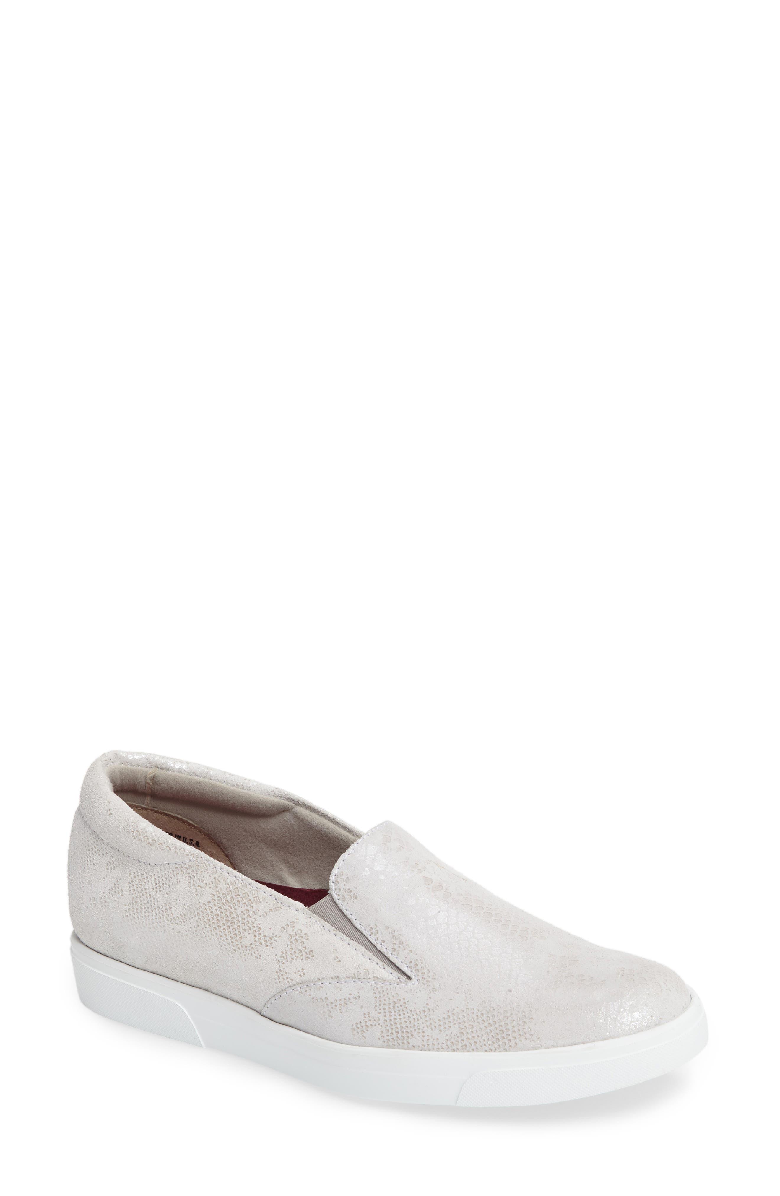 Munro Lulu Slip-On Sneaker, WW - White