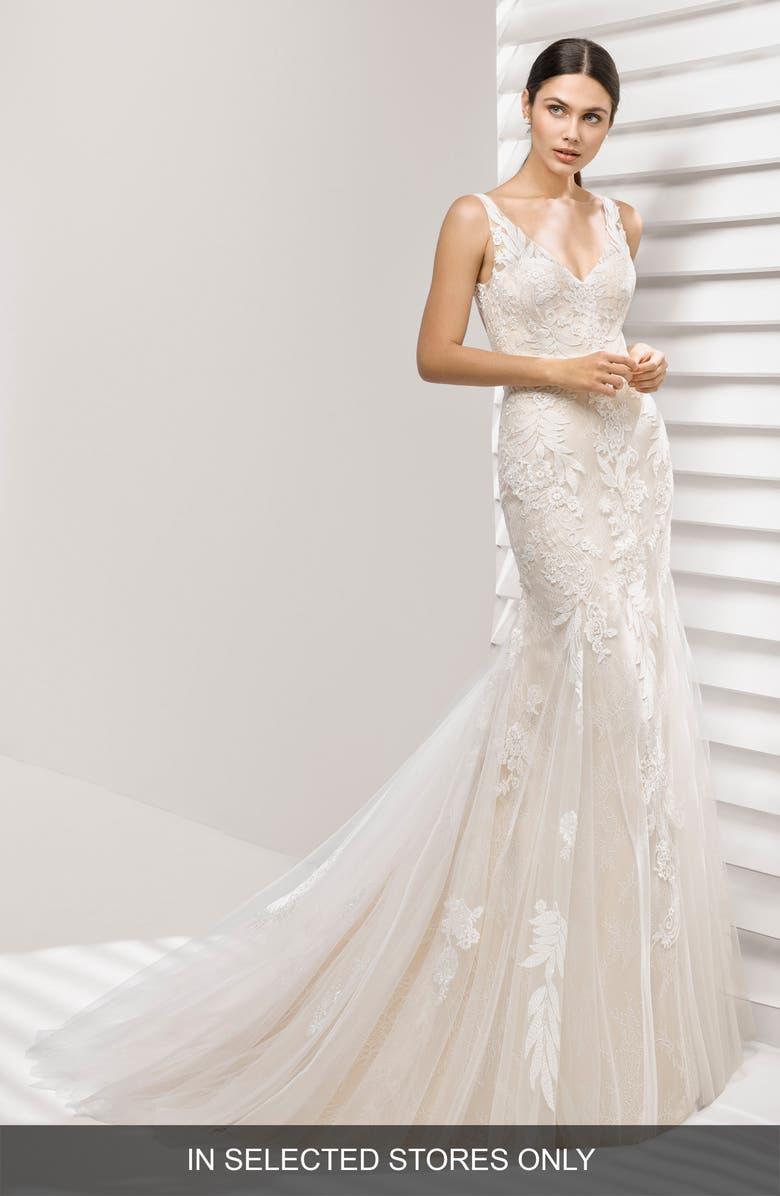 ROSA CLARÁ Aurelia Lace Mermaid Gown, Main, color, 900