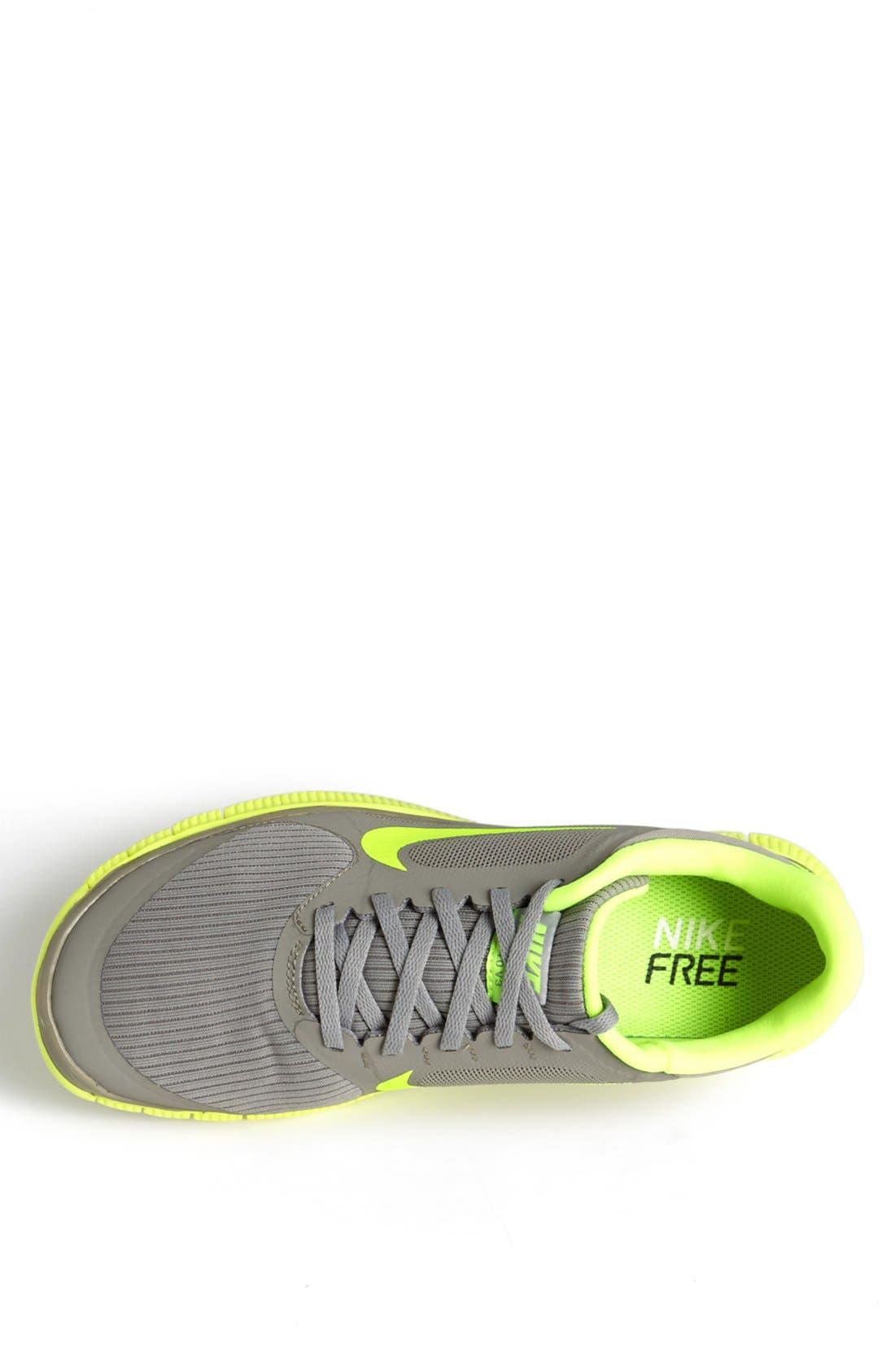 ,                             'Free 4.0 V3' Running Shoe,                             Alternate thumbnail 32, color,                             077