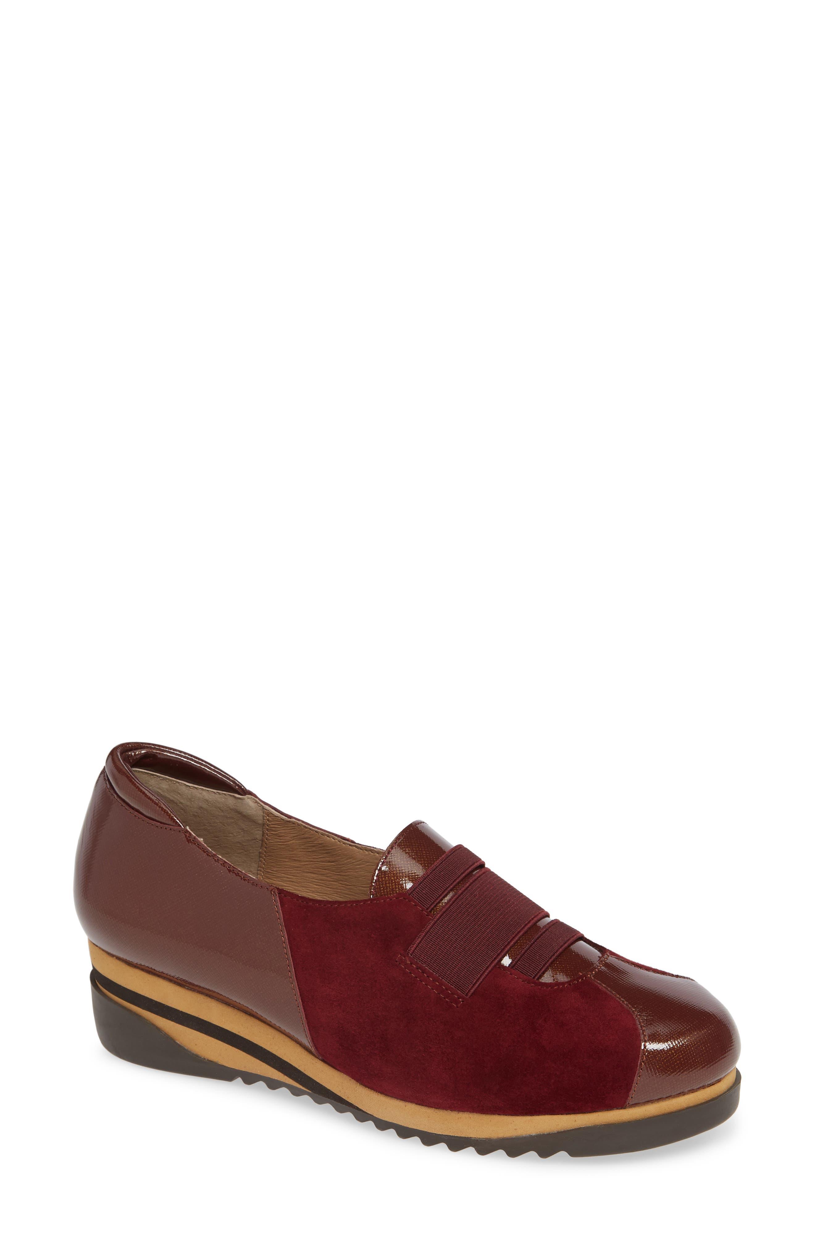 Bettye Muller Concepts Taytum Sneaker, Red