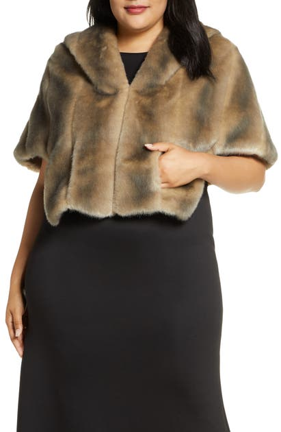 Eliza J Faux Fur Capelet In Grey