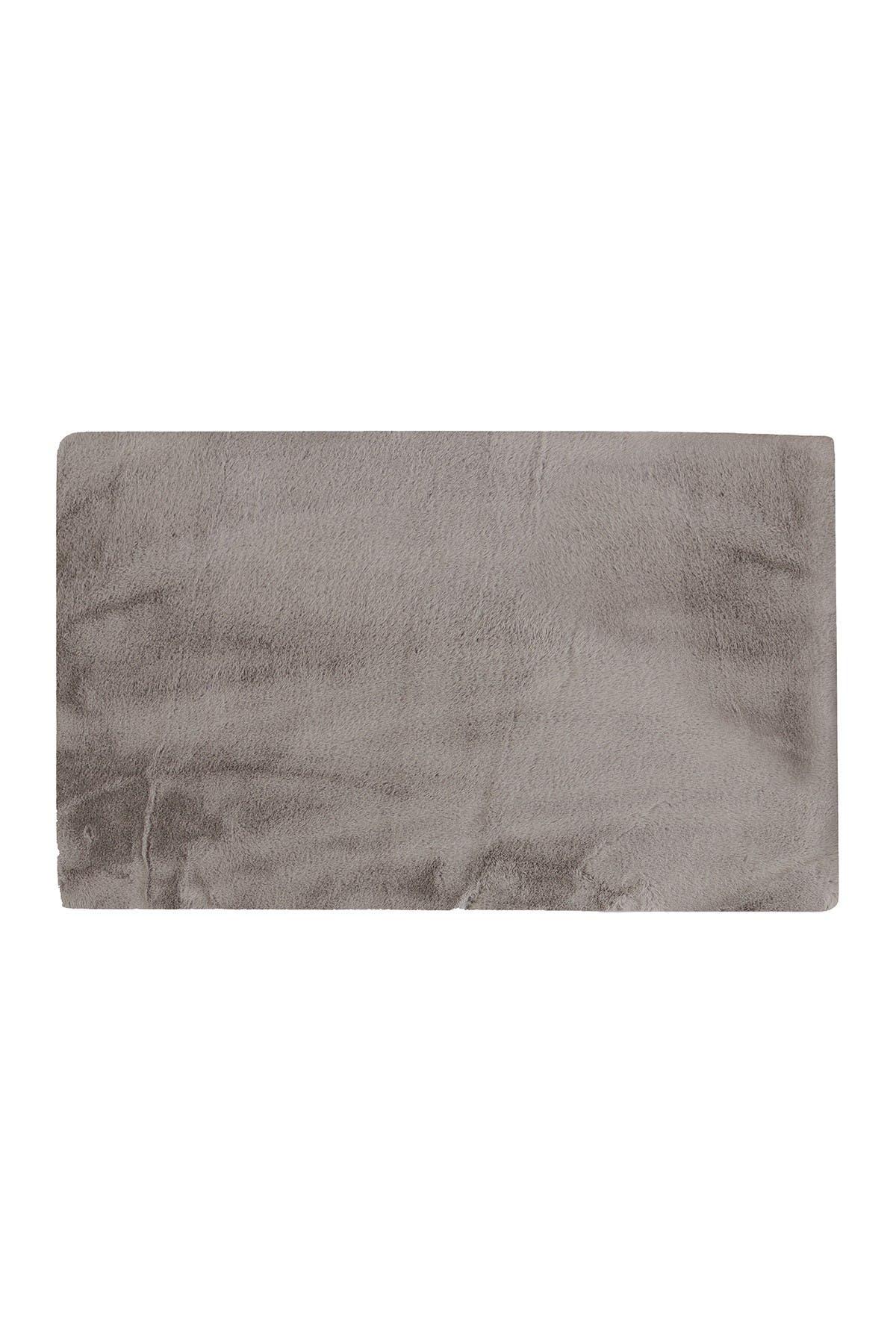 Image of LUXE Faux Fur Rectangular Throw 3' X 5' - Grey