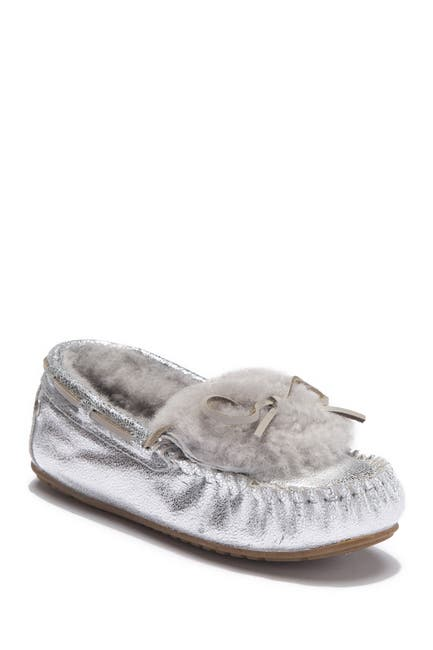 Image of EMU Australia Amity Cuff Crackled Genuine Sheepskin Lined Moccasin