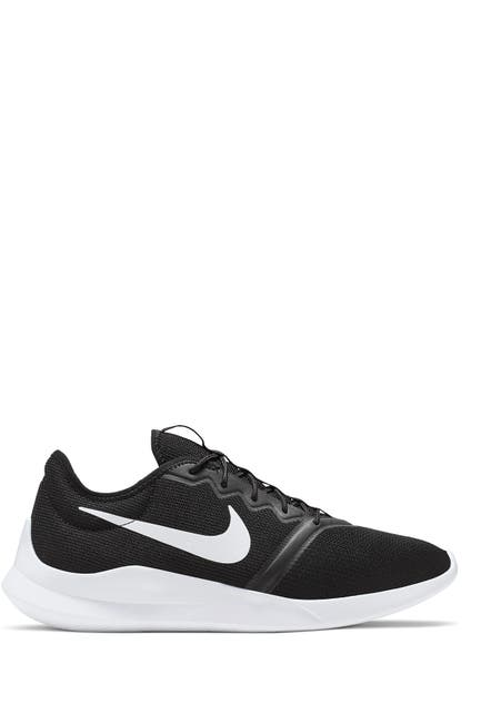 Image of Nike Reax 8 TR Sneaker