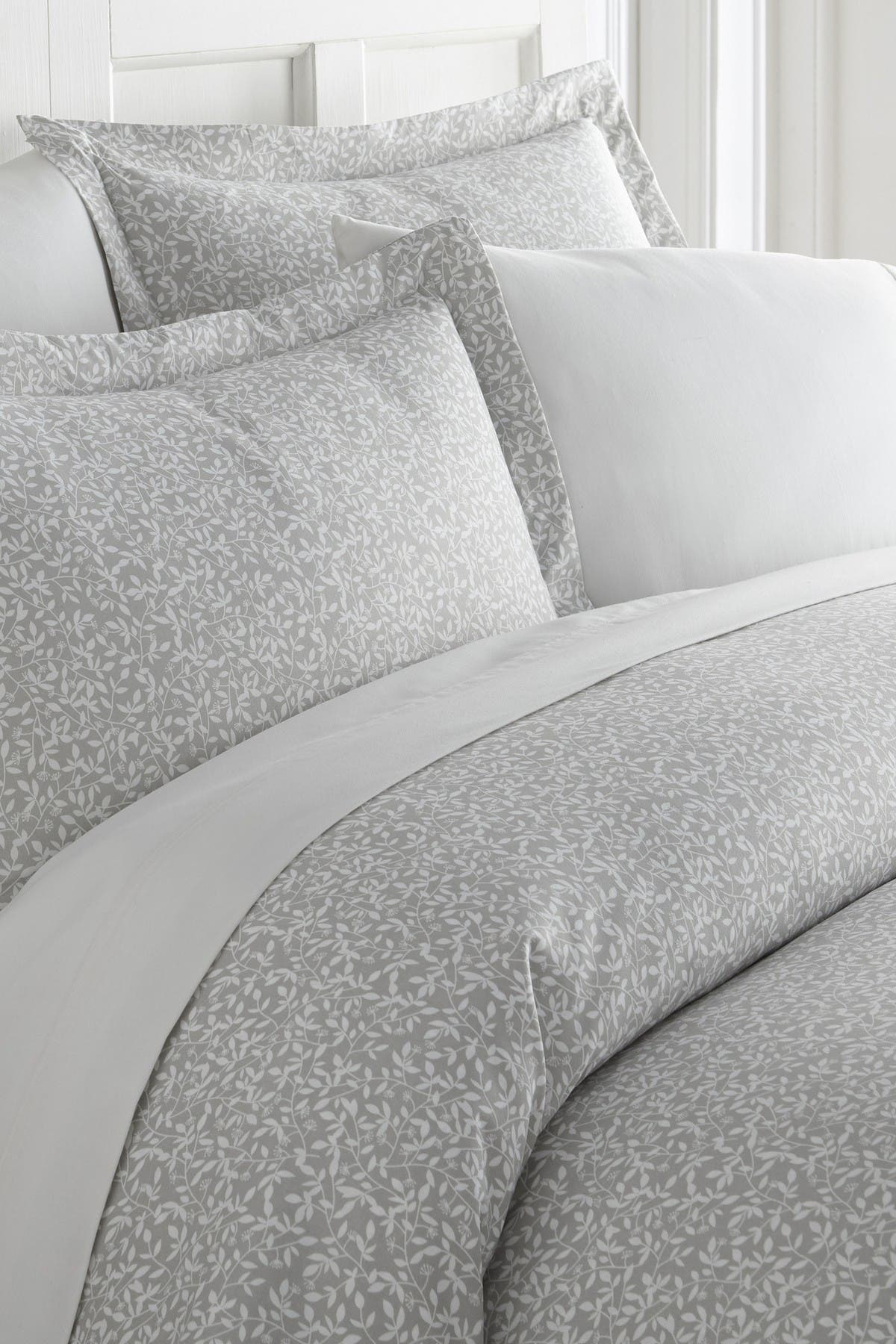 Image of IENJOY HOME Home Spun Premium Ultra Soft 2-Piece Vine Trellis Print Duvet Cover Twin Set - Gray