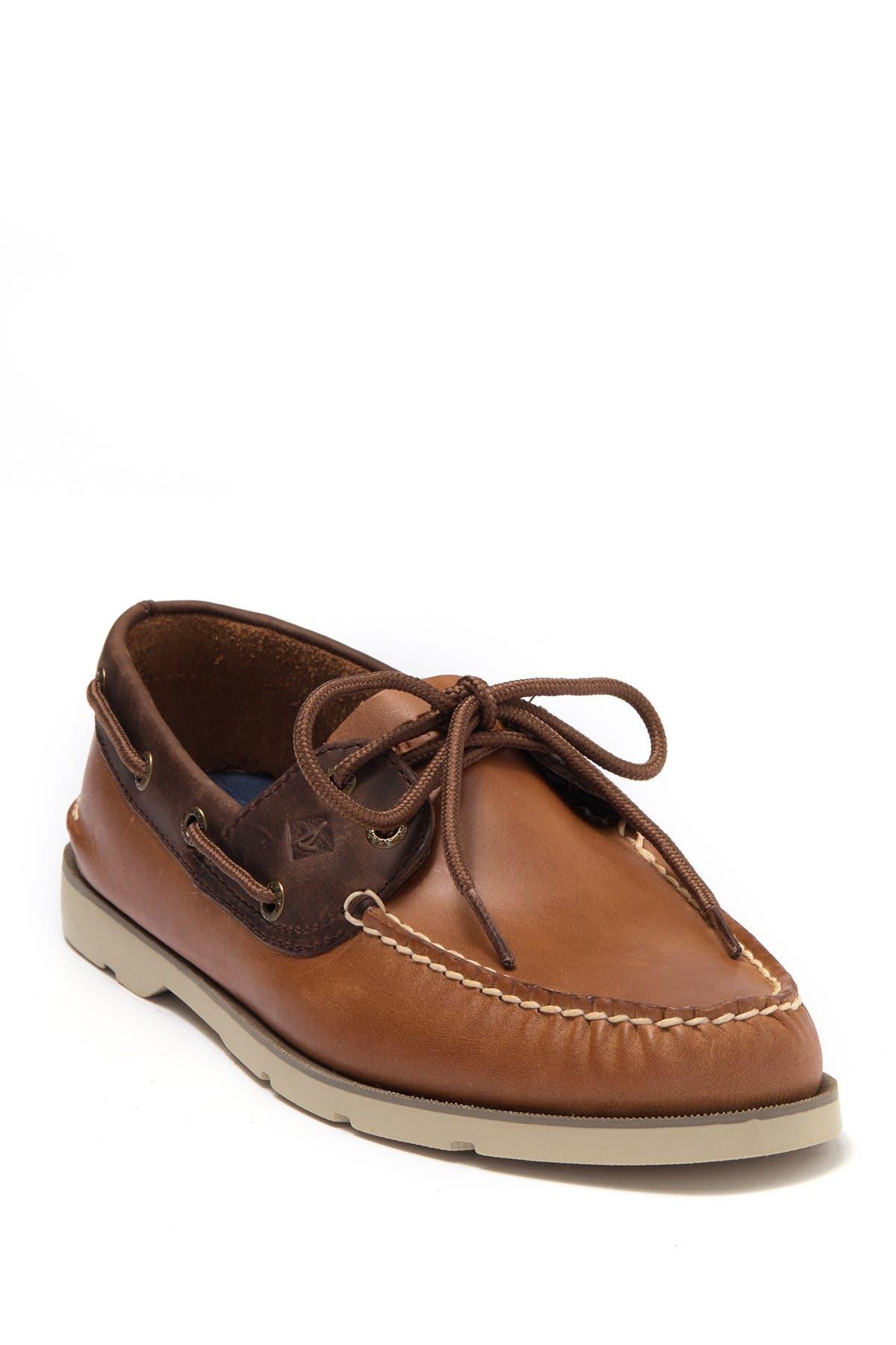 Image of Sperry Leeward 2-Eye Leather Boat Shoe