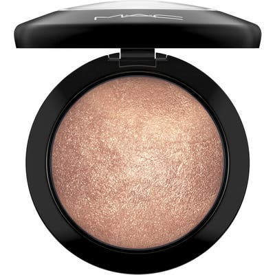 MAC Mineralize Skinfinish Powder Highlighter - Global Glow