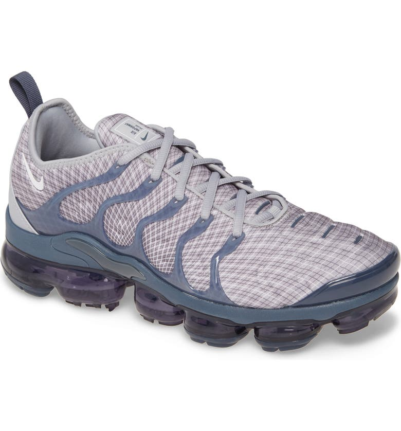 half off 9caef a2084 Air VaporMax Plus Sneaker