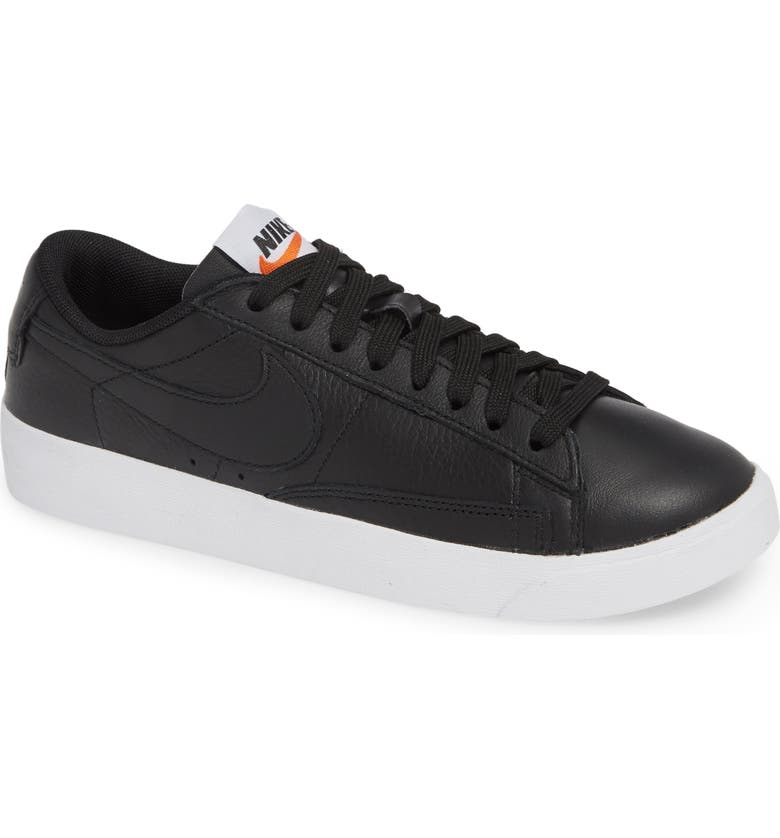 Nike Blazer Low SE Sneaker Women