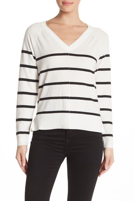 Image of Bobeau V-Neck Exposed Seam Pullover Sweater