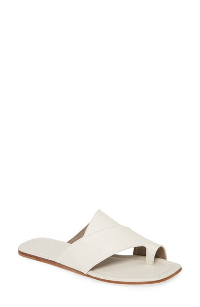 Agl Attilio Giusti Leombruni Asymmetrical Toe Loop Slide Sandal In White