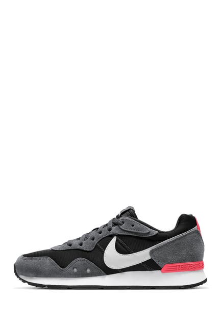 Image of Nike Venture Runner Sneaker