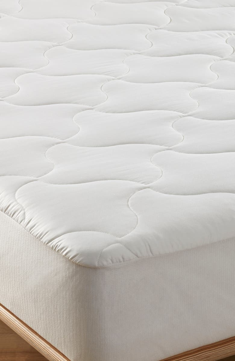 NORDSTROM AT HOME Moisture Wicking Mattress Pad, Main, color, WHITE