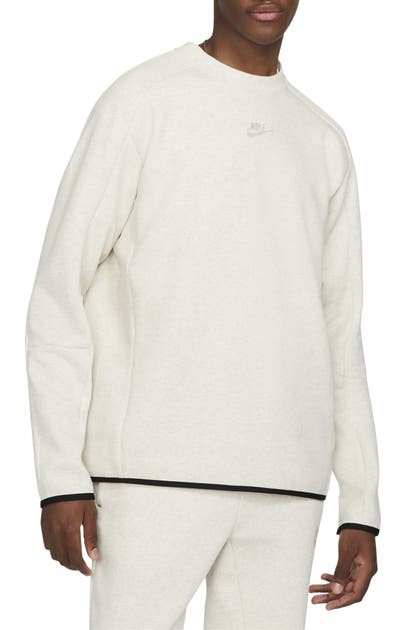 NIKE SPORTSWEAR TECH FLEECE SWEATSHIRT